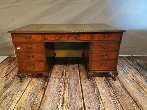 desk_leather_mahogany