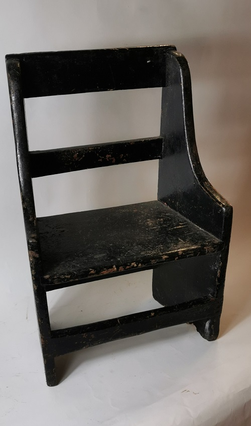 Painted pine country child's chair