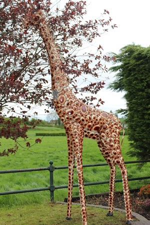 Metal model of a giraffe